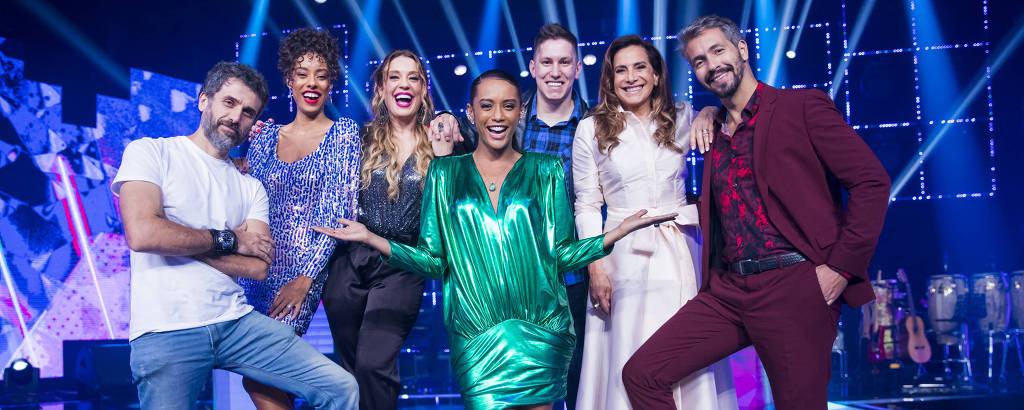 Taís Araujo com os finalistas do PopStar