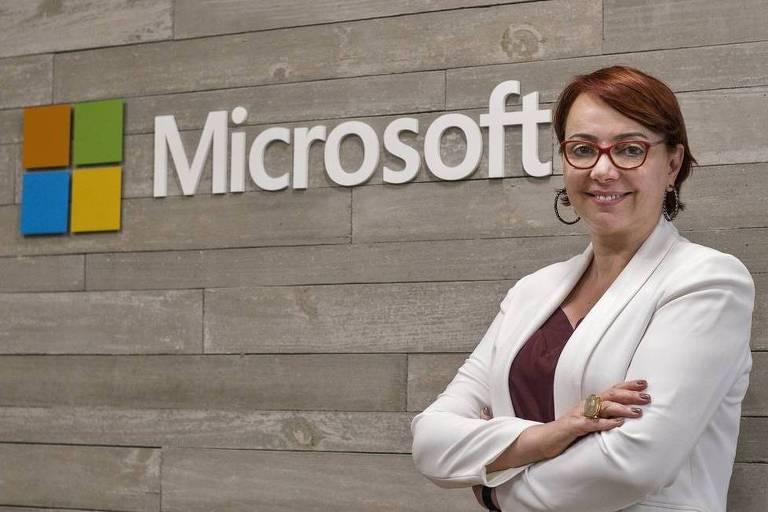 Retrato posado de Tania Cosentino, presidente da Microsoft Brasil