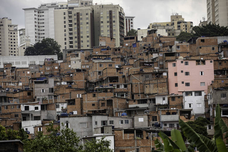 Moradias em Paraisópolis, na zona sul de São Paulo