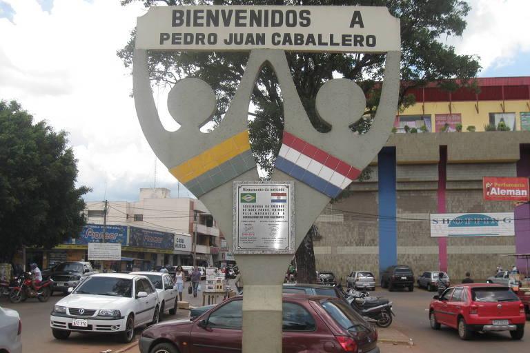 Entrada da cidade de Pedro Juan Caballero, no Paraguai, fronteira com Ponta Porã (MS)