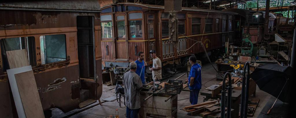 Oficina mantida em Campinas por uma associação de preservação ferroviária tem relíquias centenárias resgatadas antes de virarem sucata