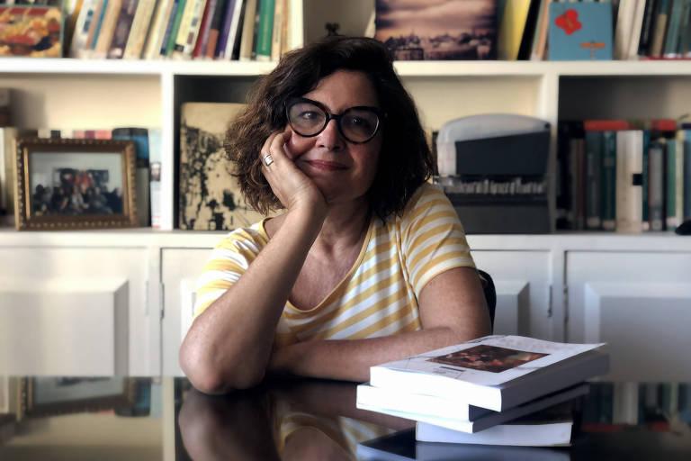 Hebe Mattos - Historiadora, é Professora Titular Livre na Universidade Federal de Juiz de Fora.