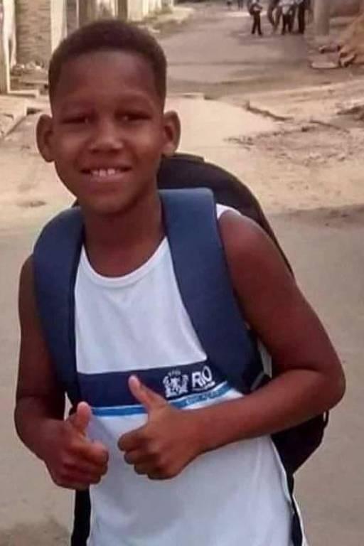Kauã Rozário, baleado aos 11 na Vila Aliança, no Rio