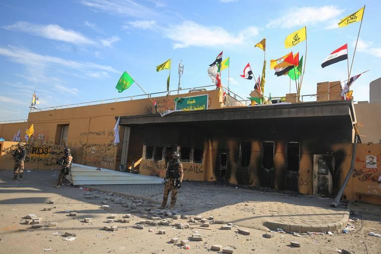 Após 2 dias de ataque, manifestantes deixam a embaixada dos EUA em Bagdá