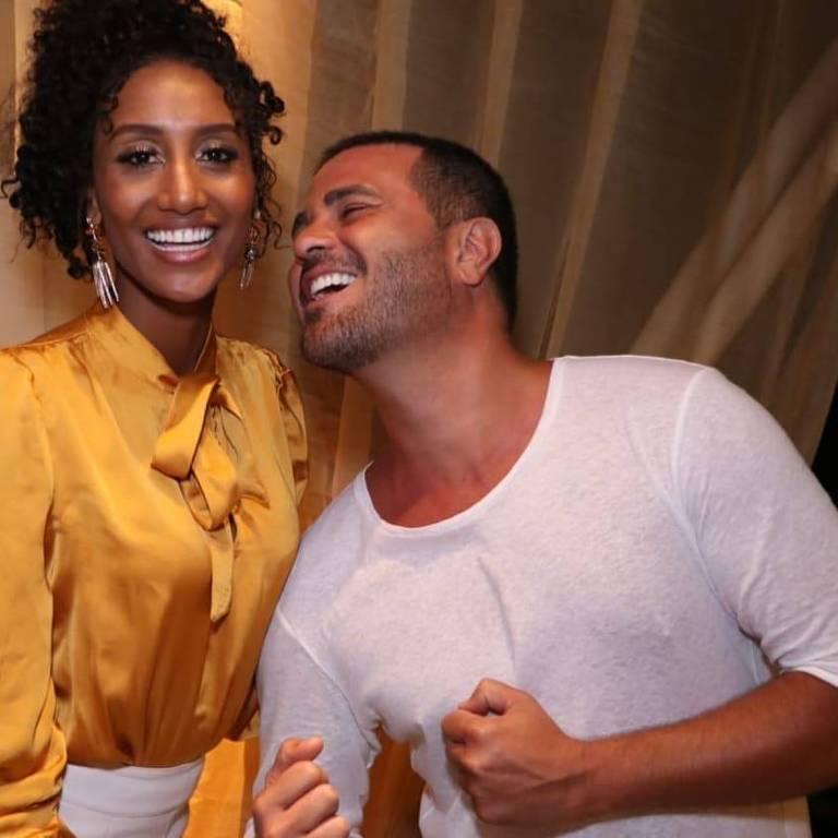 Sabrina Paiva e Rodrigo Phavanello durante comemoração de Ano-Novo