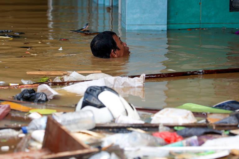 Indonésia tem piores inundações em 20 anos