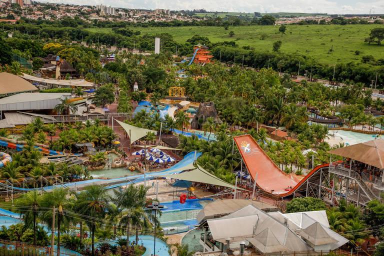 Vista do Thermas dos Laranjais a partir do Royal Thermas Resort & Spa, um dos grandes empreendimentos de Olímpia