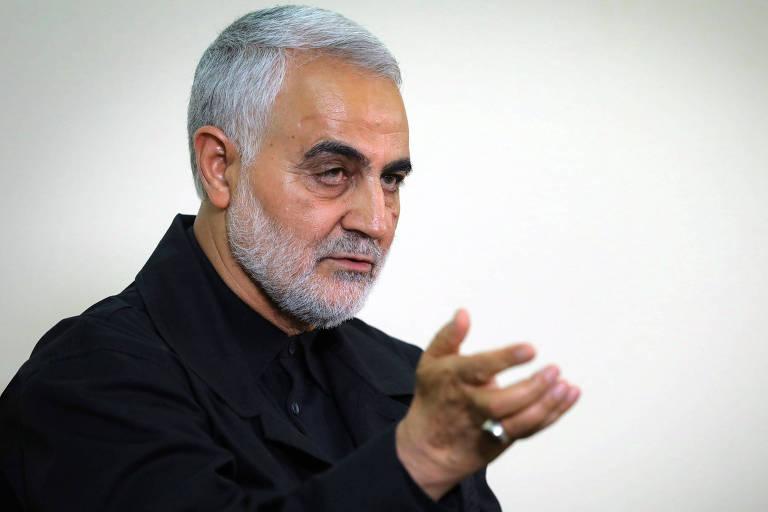 O general Qassim Suleimani, morto no ataque ao aeroporto, durante entrevista em Teerã em outubro