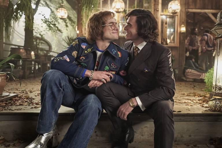 Taron Egerton (Elton John) e Richard Madden (o empresário John Reid) em 'Rocketman'