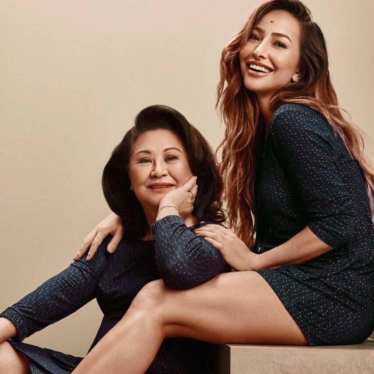Sabrina Sato com a mãe, Kika