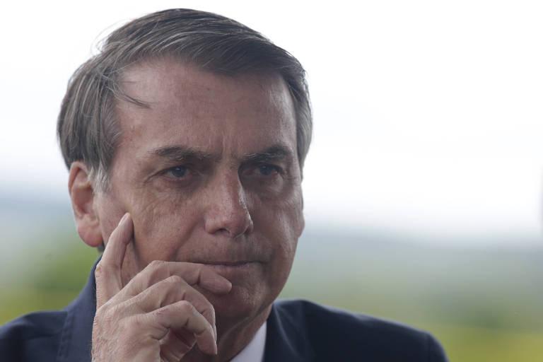 Bolsonaro dá entrevista a jornalistas no Palácio da Alvorada, em Brasília