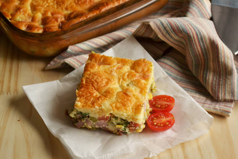 Aprenda a preparar torta de liquidificador saborosa para aproveitar as sobras das festas