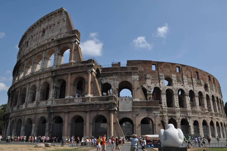 O Coliseu é um dos mais conhecidos símbolos associados ao Império Romano