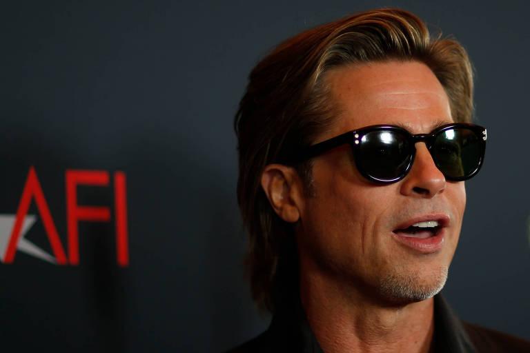 Brad Pitt conta que primeiro beijo foi dentro de garagem e ocorreu quando estava na quarta série