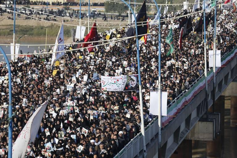 Corpo de general chega ao Irã em meio a troca de hostilidades com os EUA