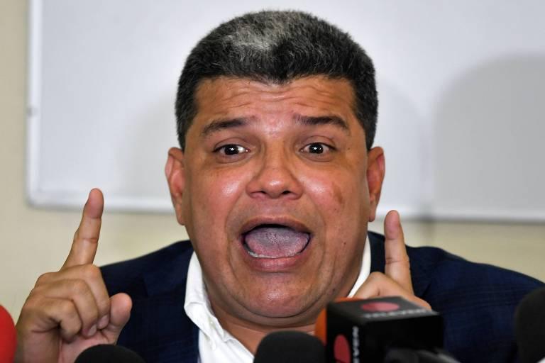 O deputado venezuelano Luis Parra, do partido Primero Justicia, foi eleito presidente da Assembleia Nacional