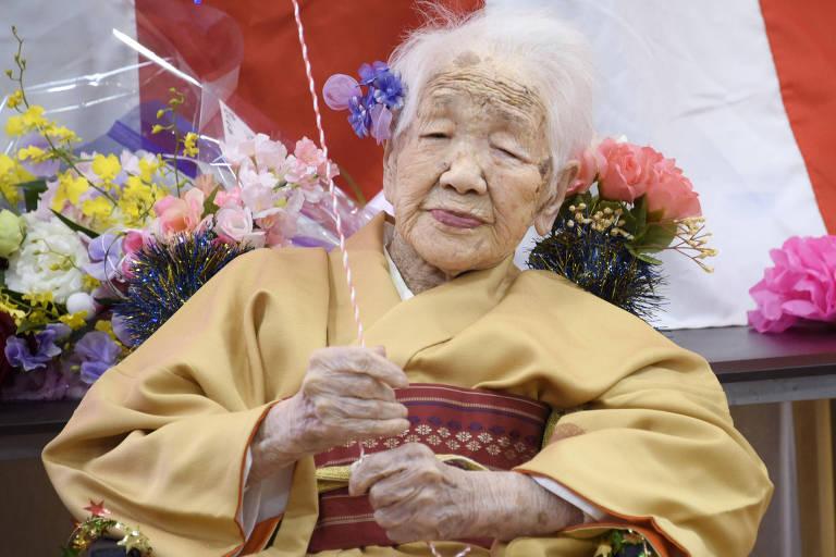 Kane Tanaka em sua festa de aniversário realizada neste domingo (5) para marcar seus 117 anos