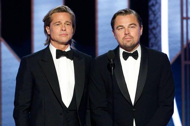 Atores Brad Pitt e Leonardo DiCaprio no palco do Golden Globe Awards