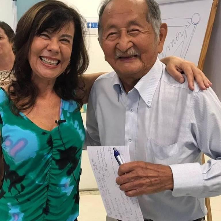 A colunista Mirian Goldenberg e o médico Nobolo Mori, de 96 anos