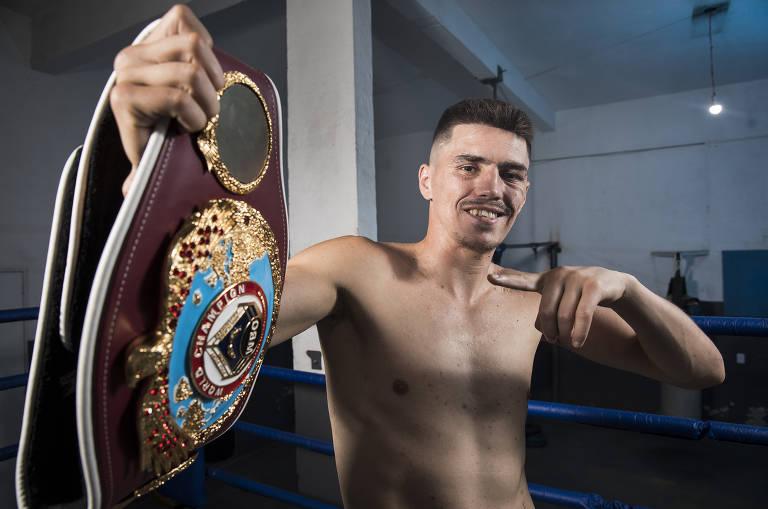 Novo campeão mundial de boxe luta por reconhecimento no Brasil