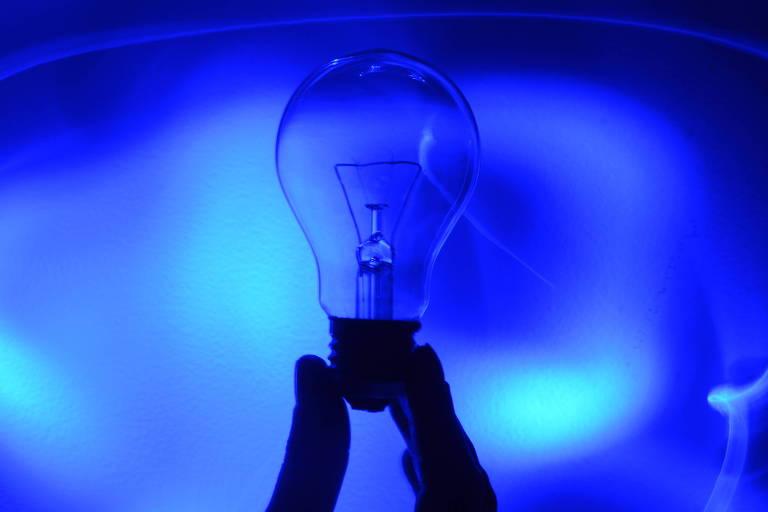 A luz é feita de ondas ou partículas?