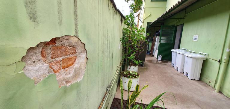 Posto de saúde na zona sul de SP tem infiltrações e salas mofadas