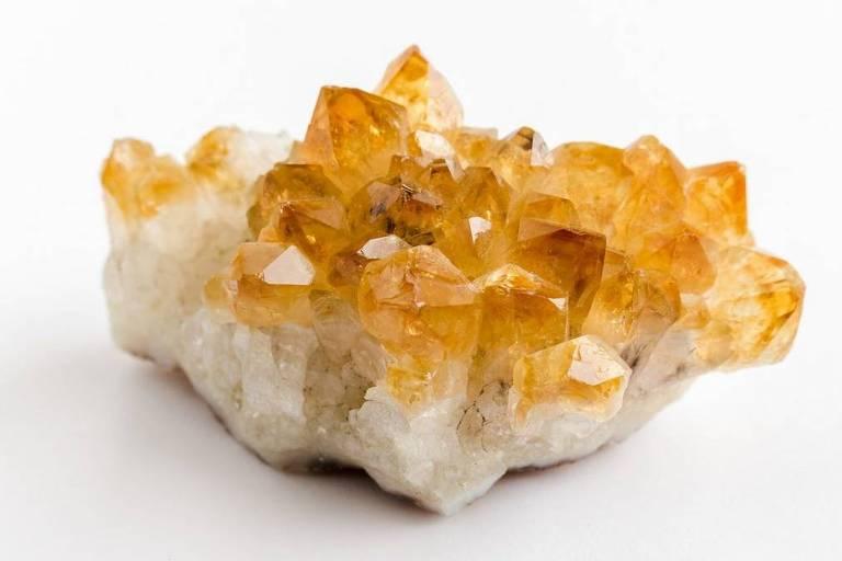Pedras e cristais para a decoração
