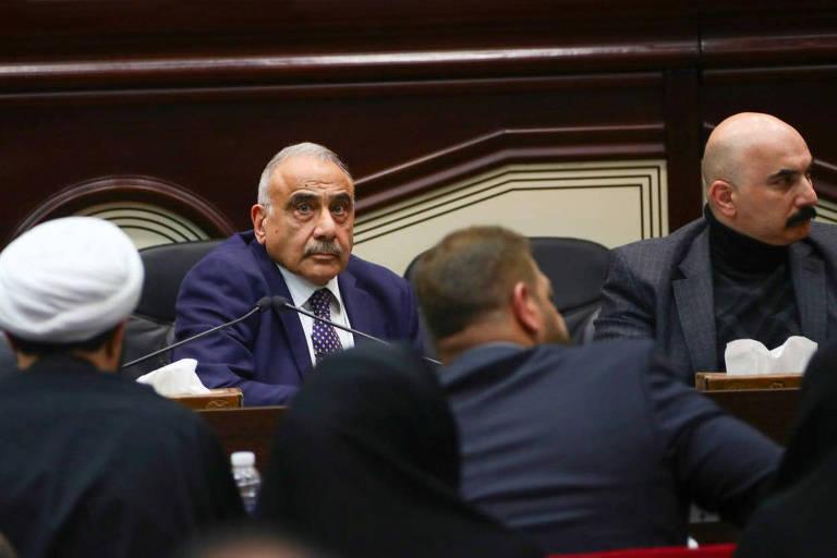 O primeiro-ministro iraquiano, Adel Abdul Mahdi, participa de sessão no Parlamento em Bagdá