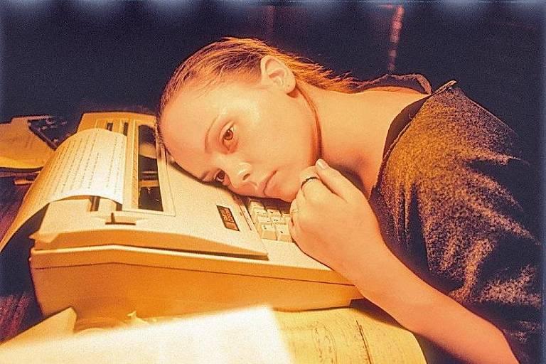 """A atriz Christina Ricci em cena do filme """"Geração Prozac"""", que conta a história de vida de Elizabeth Wurtzel."""