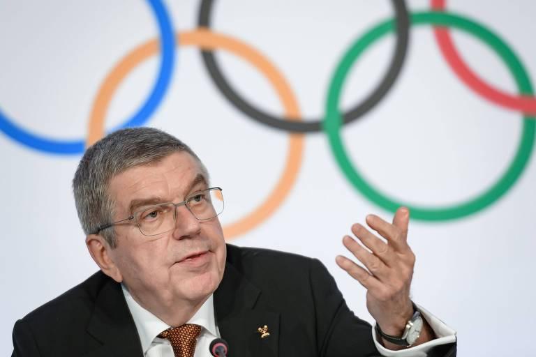 O presidente do Comitê Olímpico Internacional Thomas Bach durante entrevista em que foram anunciadas as proibições de protestos políticos