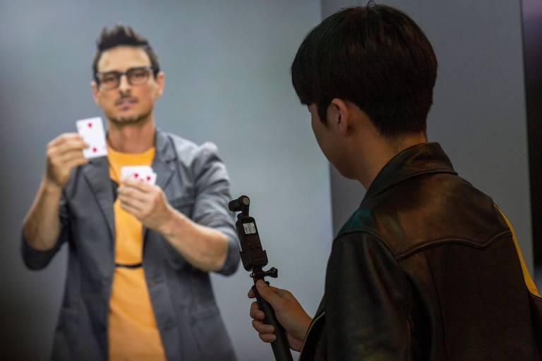'Humanos virtuais' são apresentados em feira de tecnologia