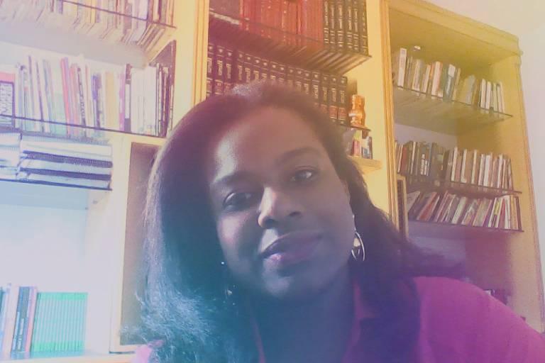 Carolina Ferreira Galdino - Professora e doutora em relações internacionais pelo Programa de Pós-Graduação San Tiago Dantas (Unesp-Unicamp-PUC-SP)
