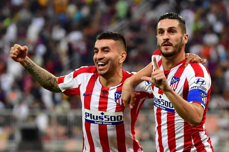 Koke e Ángel Correa comemoram gol do Atlético sobre o Barcelona