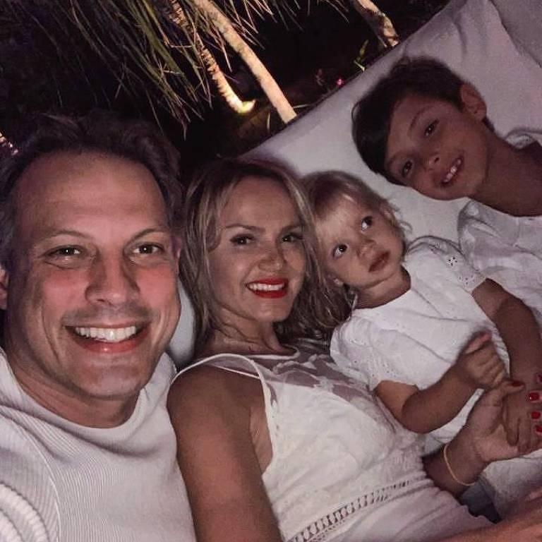 Eliana e família