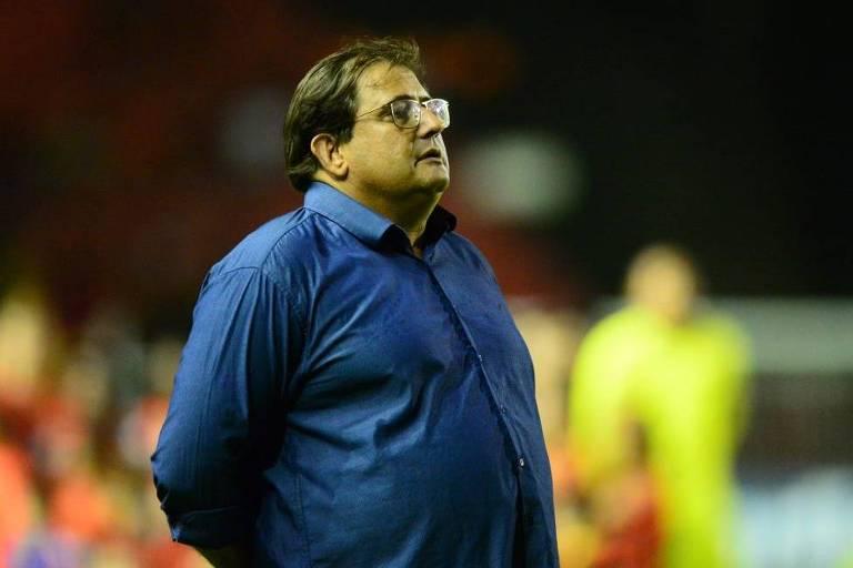 Contratado pelo Sport em 20 de fevereiro de 2019, o paulista Guto Ferreira, 54, teve sua demissão anunciada pelo clube de Recife quase um ano depois, em 14 de fevereiro de 2020. Acumulou 54 jogos, 25 vitórias, 23 empates e seis derrotas