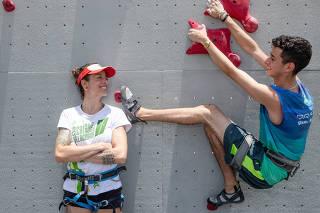 RIO DE JANEIRO, RJ, 10.01.2020: Camila Macedo e Lucca Macedo, mae e filho, disputam o torneio de Escalada de Velocidade. Niteroi, Rio de Janeiro (Foto: Zo Guimaraes/Folhapress, Esporte) ***EXCLUSIVO FOLHA***