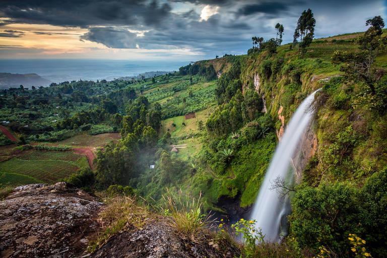 Cachoeira perto do Monte Elgon, em Uganda