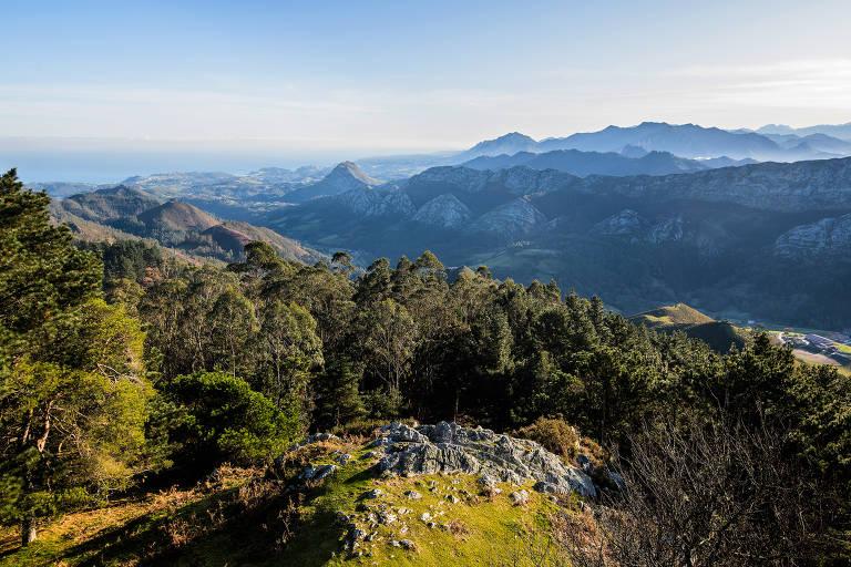 Montanhas na Comunidade Autônoma das Astúrias, na Espanha