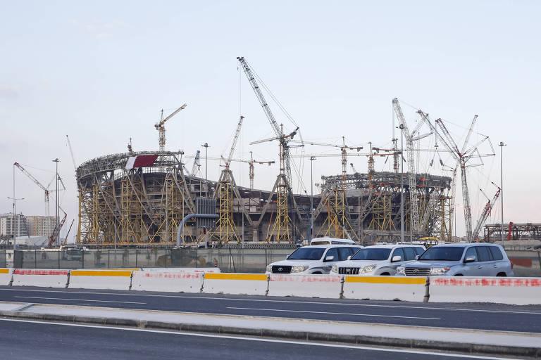 Obras do Estadio Nacional Lusail. Planejado para ser utilizado na Copa de 2022, a finalização do estádio estava prevista para o início de 2020