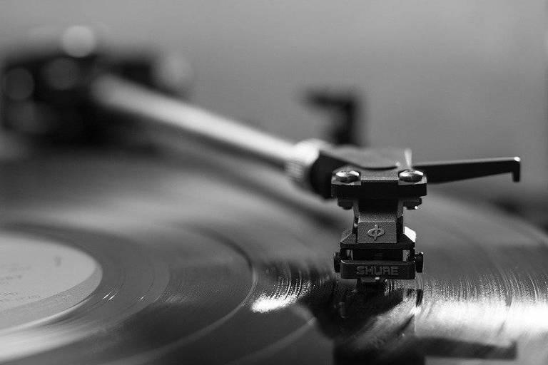 Toca-discos antigo