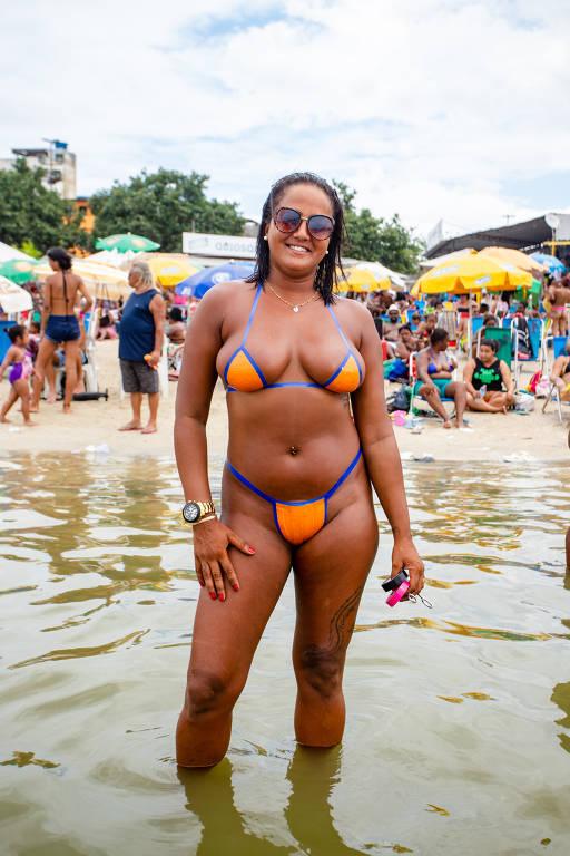 Depois de virar biquíni, fita isolante é matéria-prima para sunga no Rio -  13/01/2020 - Cotidiano - Folha