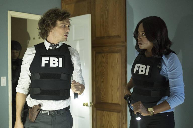 Matthews Gray Gubler e Aisha Tyler em cena do episódio 'Rule 34', da última temporada