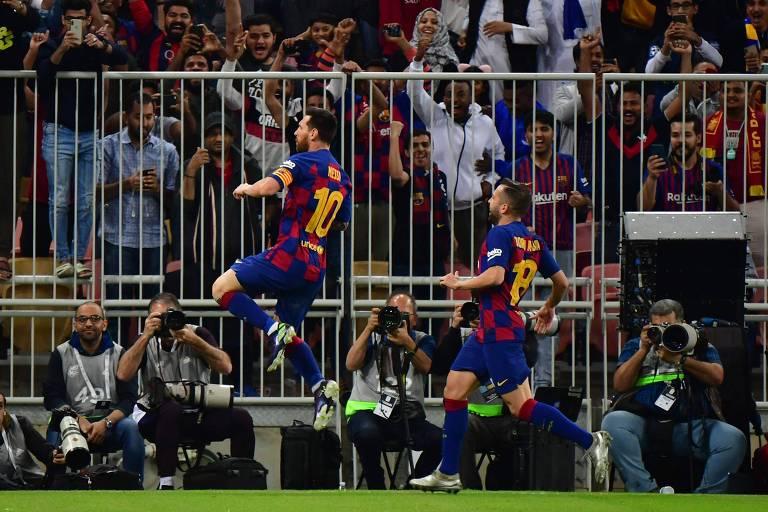 Lionel Messi comemora gol do Barcelona contra o Atlético de Madri, pela Supercopa da Espanha
