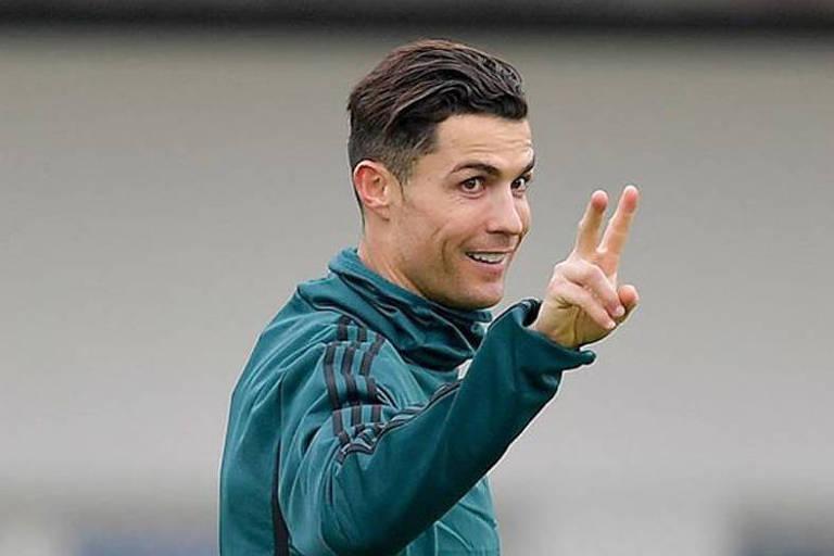 Cristiano Ronaldo reduz valor de mansão à venda na Inglaterra para R$ 17,4 milhões; veja fotos