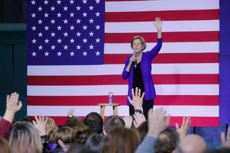 A senadora Elizabeth Warren durante evento de sua campanha na última sexta (10)