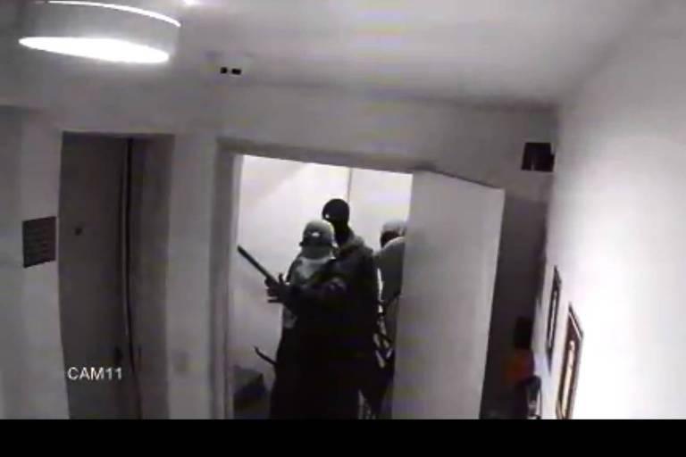 Criminosos fazem arrastão em prédio interditado