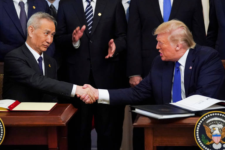 Vice-premiê chinês, Liu He, e o presidente dos EUA, Donald Trump