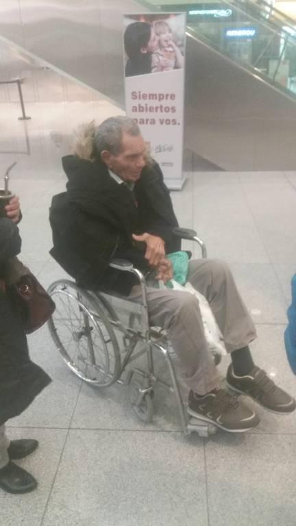 Manga chegou a Montevidéu em setembro de 2019 em cadeira de rodas, deprimido e com uma sonda por conta de um problema renal