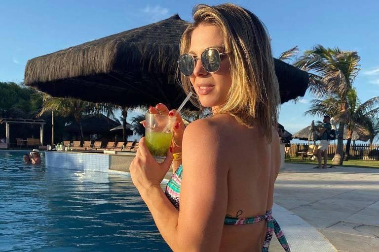 Sheila Mello diz que está conhecendo melhor o tenista João Souza, apelidado de Feijão