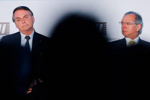 Bolsonaro avalia mandar reforma administrativa com veto à filiação partidária
